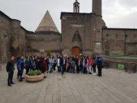 40 öğrenci polis ağabey ve ablaları ile Kayseri'yi gezdi