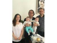 Rahim kanserine rağmen ikiz bebek doğurdu