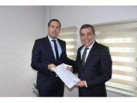 Ahmet Atam mazbatasını aldı