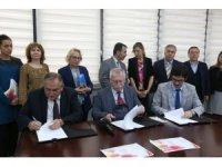 Bolu'da,  'Anneler Üniversitede Projesi' protokolü imzalandı