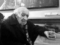 Ünlü Fotoğrafçı Ara Güler'le ilgili hastane önünde açıklama