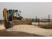 Erdemli Belediyesi merkeze uzak mahallelerde çalışmalarını sürdürüyor