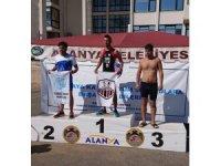 Kuşadalı sporcular Alanya'dan 7 madalya ile döndü