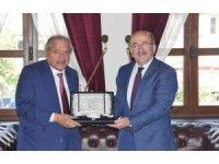 Trabzon Büyükşehir Belediye Başkanı Gümrükçüğoğlu Katarlı iş heyetini kabul etti