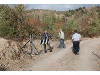Demir kapı ile kapatılarak kilit vurulan köy yolu ulaşıma açıldı