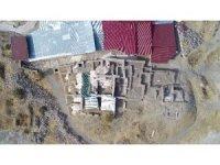 Harput Kalesinde bu yıl 20 bin obje gün yüzüne çıkartıldı