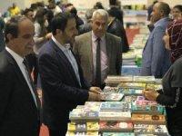 Başkan Gür, Hakkari 1. Kitap fuarını ziyaret etti