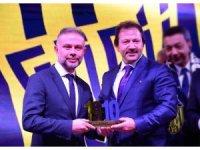 """""""Gecekondu""""dan Ertürk'e anlamlı ödül"""