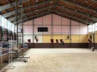 40 yıllık spor salonu güçlükle ayakta duruyor
