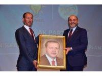 Şaphane Belediye Başkanı Rasim Daşhan AK Parti'ye geçti