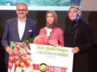 122 kadın çiftçiyi geçip 14 bin TL'nin sahibi oldu