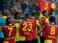 Beşiktaş, İzmir'de yıkıldı