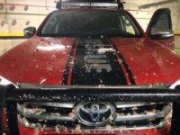 Tuvalet boruları patladı, araçların üzeri pislik doldu