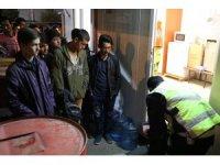 Bursa hayalleri Sivas'ta son buldu... 17 kaçak göçmen yakalandı