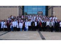 HRÜ Tıp Fakültesi'nde 'beyaz önlük' giyme töreni