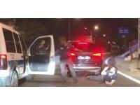 Polisten kaçan alkollü ve ehliyetsiz sürücü film sahnelerini aratmayan kovalamaca sonrasında kıskıvrak yakalandı