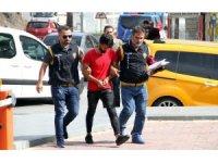 Para dolu çantayı çalan şahıs polisin sıkı takibiyle yakalandı