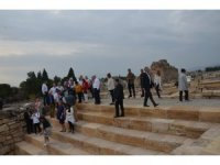 İngiltere Büyükelçisi Denizli'de İzmir Marşı'nı okudu