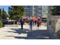 29 Ekim Cumhuriyet Bayramı Burdur'da çelenk sunumuyla başladı