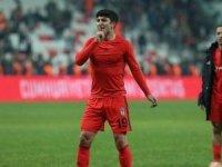 Beşiktaş'ın genç yıldızı Güven Yalçın formaya göz kırptı