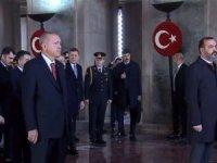Devletin zirvesi Anıtkabir'de Ata'nın huzuruna çıktı