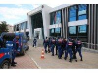 Burdur'da jandarma ile hırsızlık şüphelileri arasındaki silahlı çatışma
