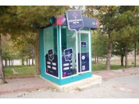 Karaman'da turizm bilgi kabinine zarar verdiler