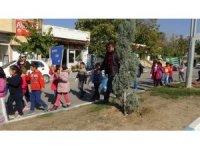 Gercüş'te öğrenciler temiz çevre için çöp topladı