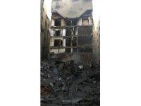 İsrail Gazze'de 7 binayı bombaladı; 4 ölü