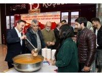AİÇÜ'de öğrencilere çorba ikramı