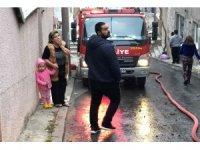 Sobayı yakarken halıya düşen ateş evi küle çevirdi
