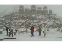 Nemrut Dağı'nda turistlere tipi ve sis engeli