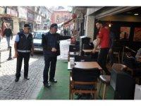 Kaldırımı işgal eden 37 esnafa 4 bin 588 lira ceza