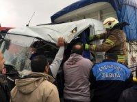 Esenyurt'ta kamyon tıra çarptı: 1 yaralı