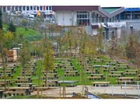 TOKİ'nin Kayaşehir'de yaptığı Millet Bahçesi açılıyor