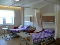 Evi tadilatta olduğu için hastanede kalan başhekime soruşturma