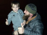 Çeçenistan lider 5 yaşındaki rekortmen çocuğa araba hediye etti