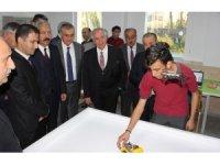 TÜSİAD Başkanı Bilecik Hatay'da öğretmenlerle buluştu