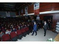2 bin 400 öğrenciye 17 bin kitap dağıtıldı