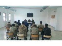 Jandarma personeli, 'Kara avcılığı' konusunda bilgilendirildi