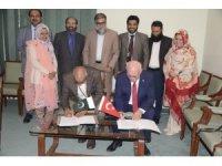 Pakistan'ın üç büyük üniversite ile ikili işbirliği imzalandı