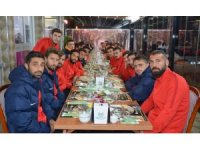 Aliağaspor'lu futbolculardan moral gecesinde galibiyet sözü