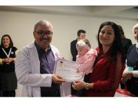 Yoğun bakımdan kurtulan prematüre bebeklere mezuniyet belgesi