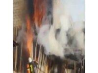 Eski Sanayi'de korkutan yangın