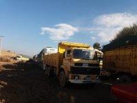 Şeker Fabrikası önünde metrelerce tır ve kamyon kuyruğu