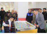 Vali Akbıyık, Çocuk Oyun ve Kültür Merkezini ziyaret etti