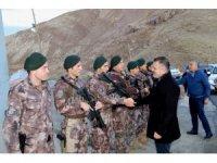 Vali Akbıyık'tan Özel Hareket polislerine ziyaret