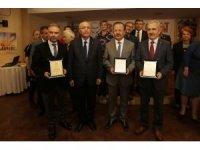 Başkan Yaşar, eğitim gönüllülerinin yanında