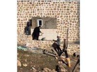 Süryani rahip malayı kaptı, cami tadilatına yardım etti