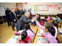 Başkan Memduh Büyükkılıç Gürpınar İlk ve Ortaokulunu ziyaret etti
